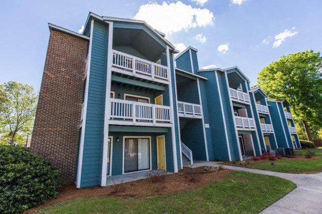 External Apartment View at Hawthorne Westside, Charleston, South Carolina