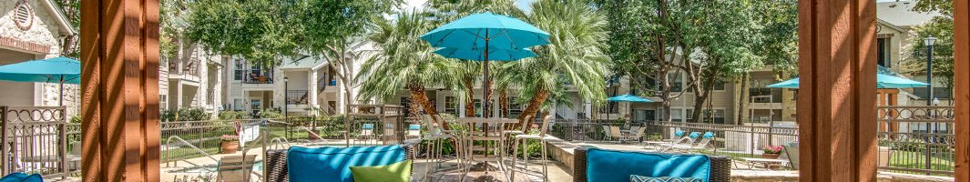 Hawthorne Riverside Poolside Lounge New Braunfels, TX