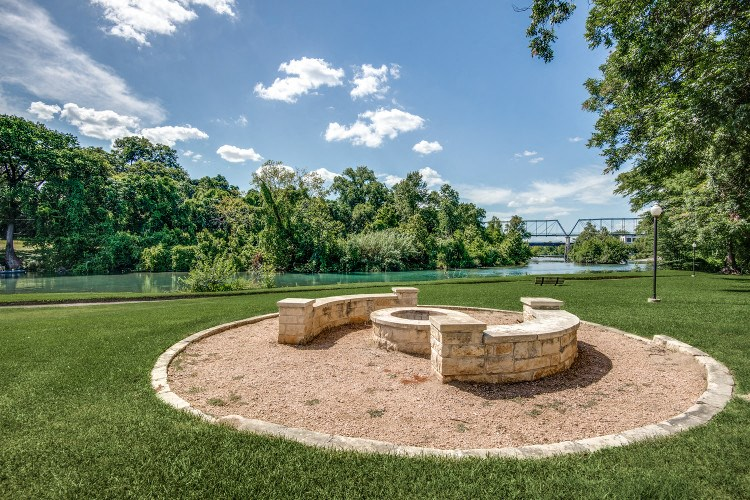 Outdoor Fire Pit at Hawthorne Riverside, New Braunfels, TX 78130