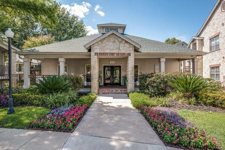 External Apartment View at Hawthorne Riverside, New Braunfels, 78130
