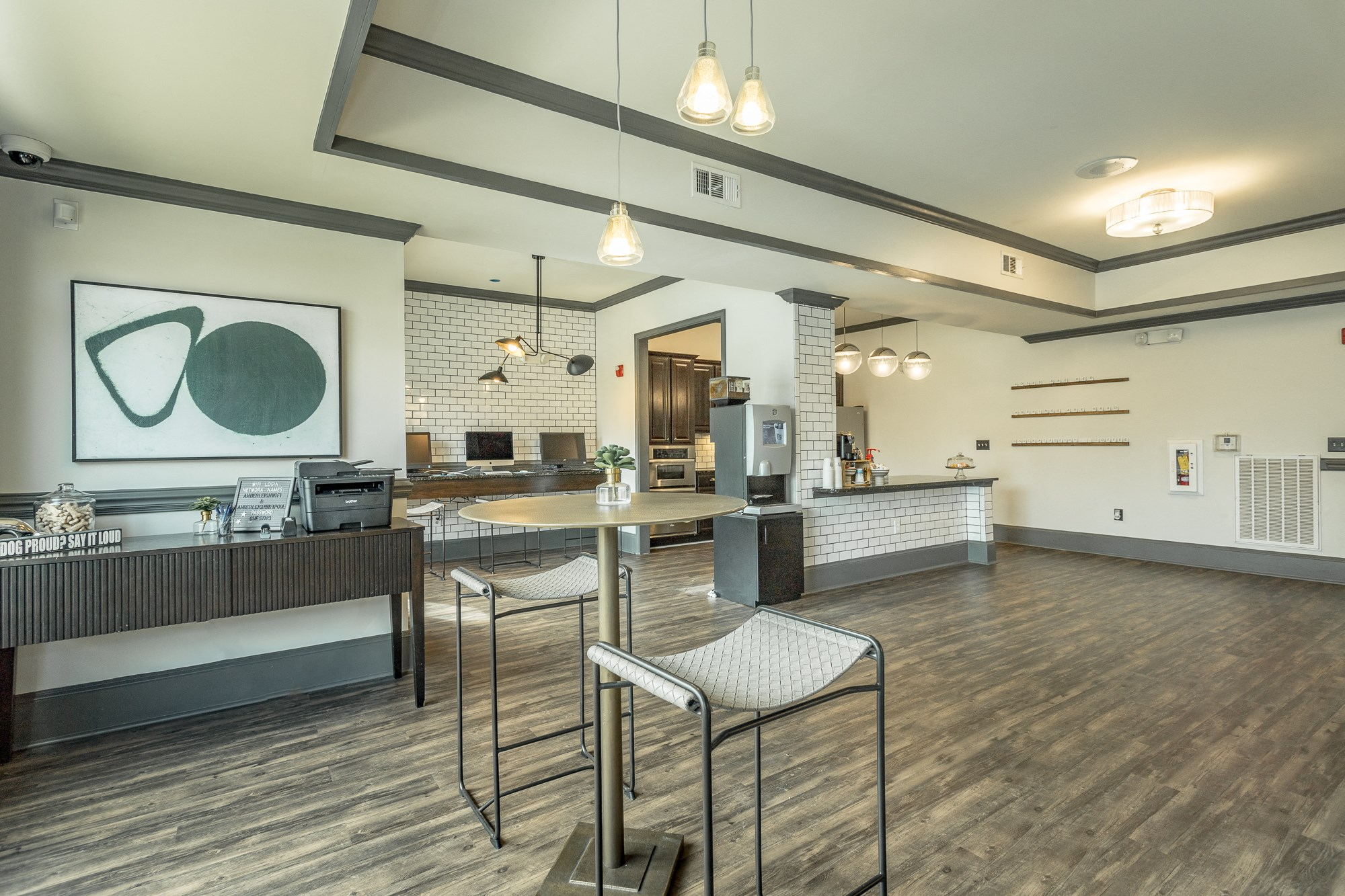 Luxury clubhouse at Amberleigh Ridge with Cyber Cafe and complimentary Starbucks coffee