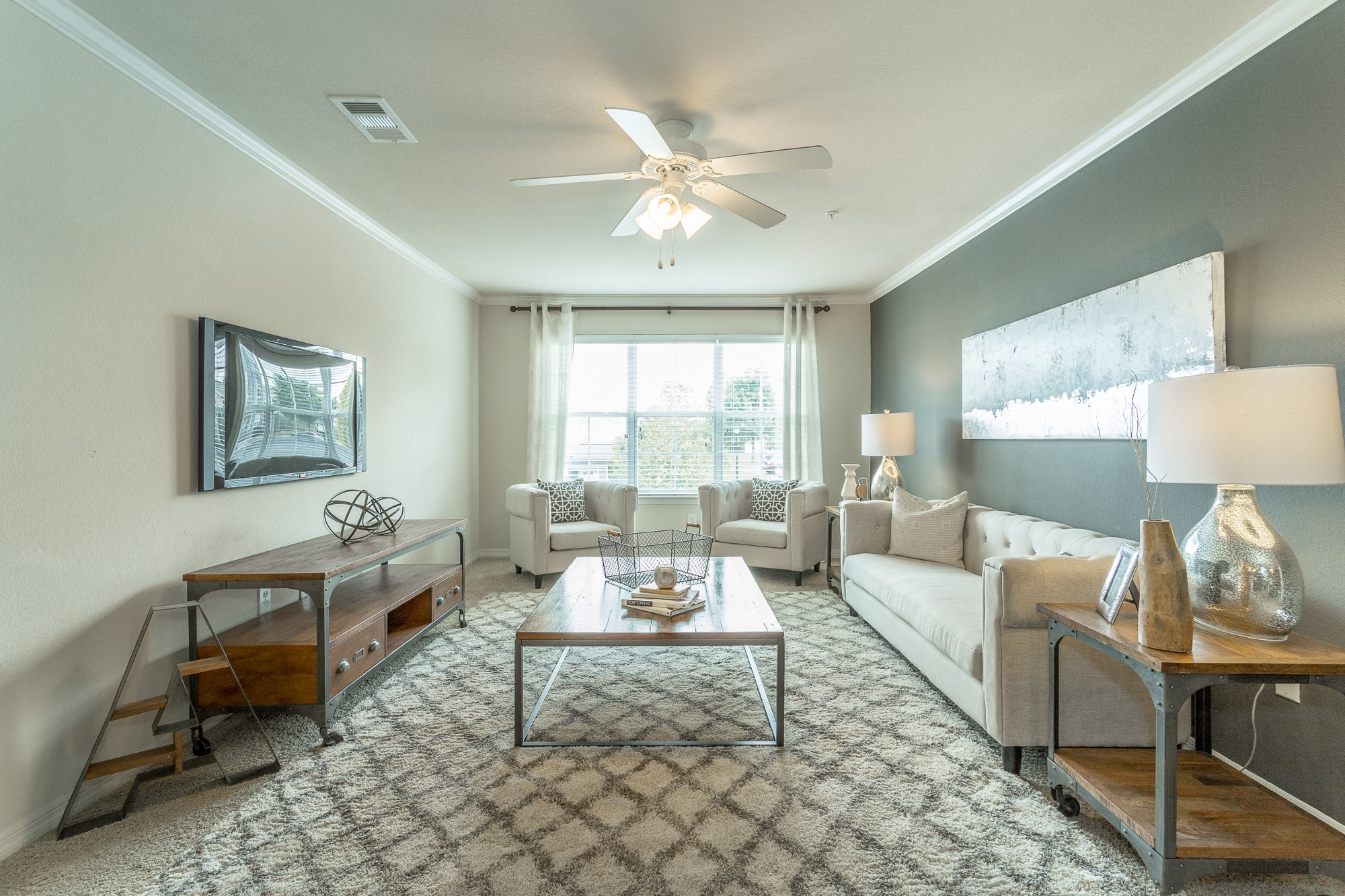 Spacious living room at Amberleigh Ridge