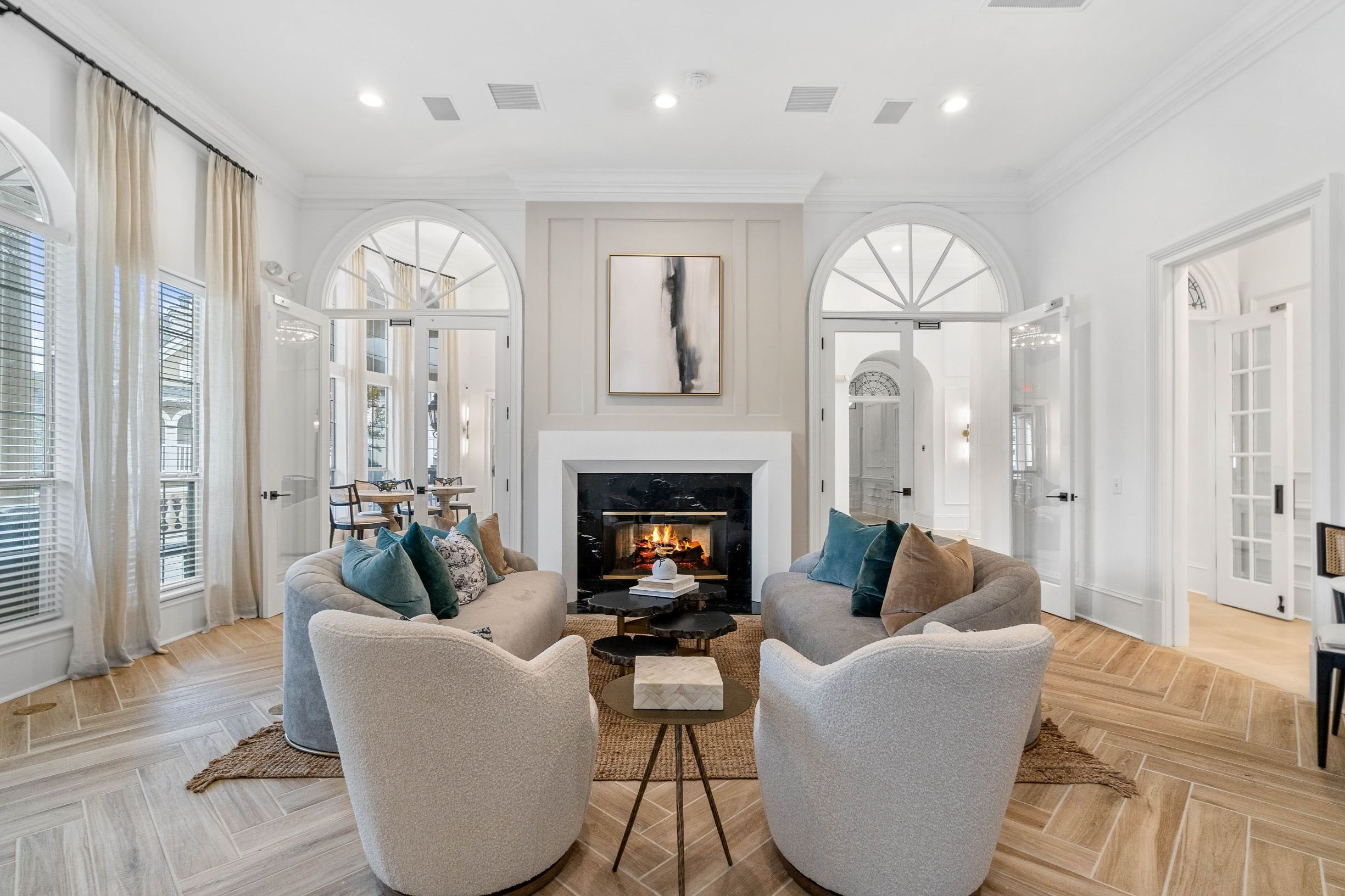 Luxurious Resident Lounge at Hawthorne at the Carlyle in Greenville, SC
