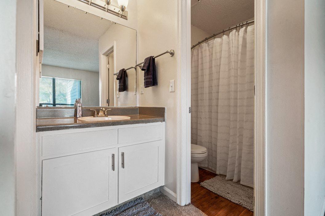Hawthorne Westside Bathroom
