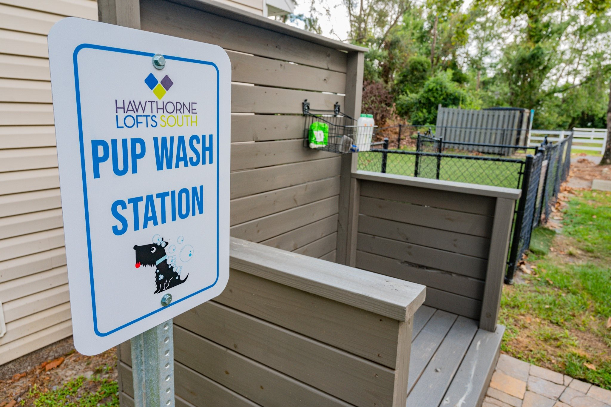 Pup Wash at Hawthorne Lofts South in Wilmington, NC