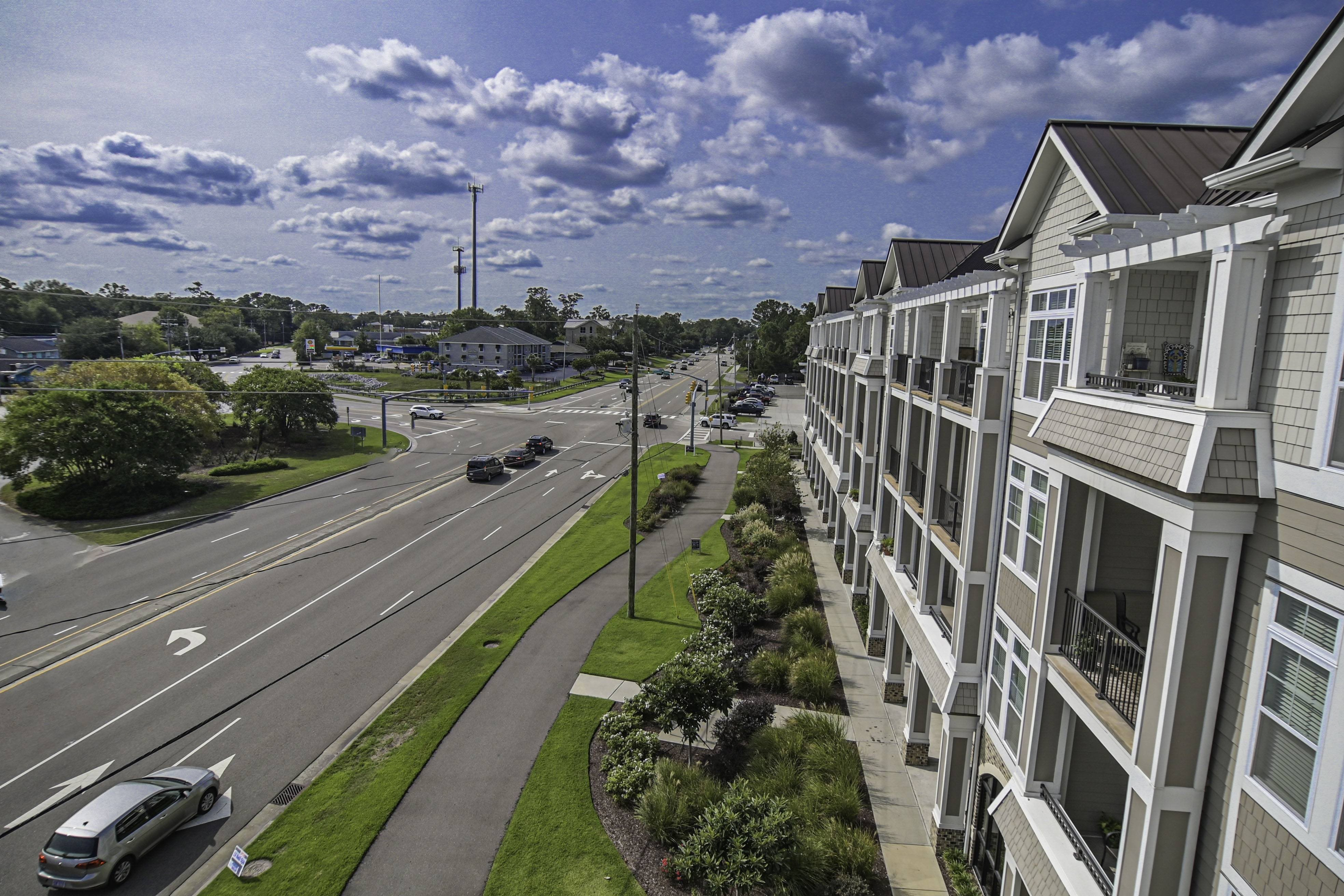 Exterior Views of Grand View Luxury Apartments in Wilmington, NC