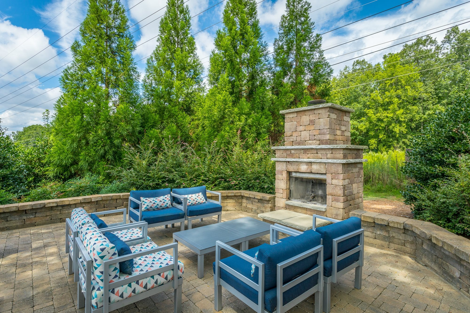 Outdoor Lounge at Hawthorne at the Ridge in Madison, AL