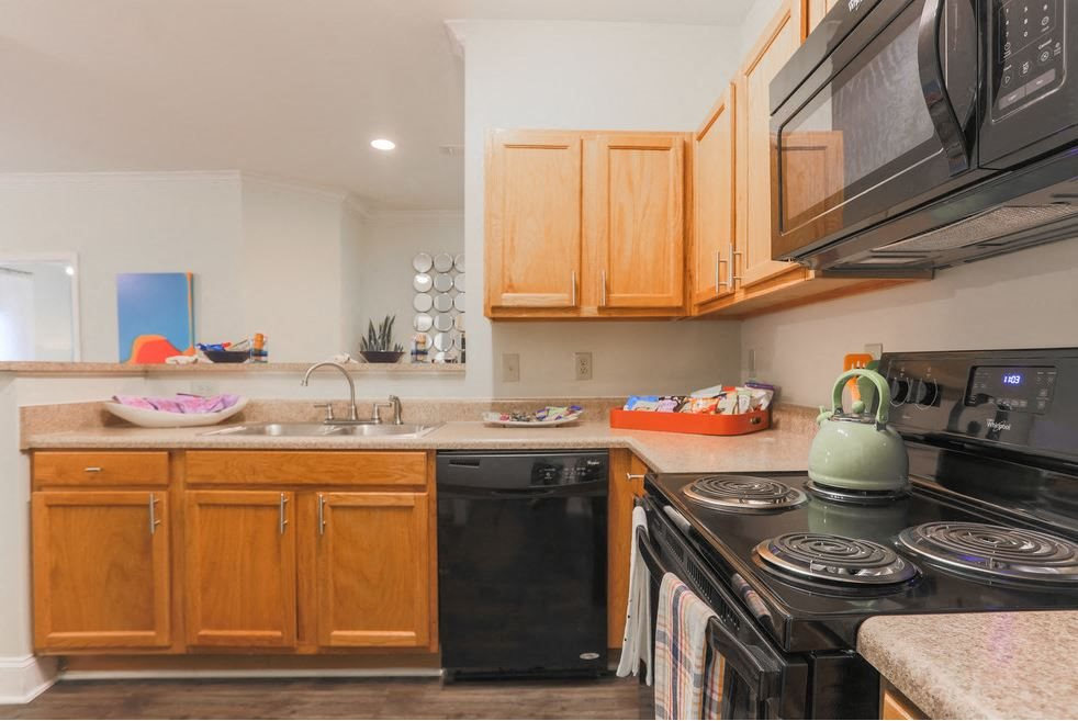 Expansive kitchen at Hawthorne at the Meadows