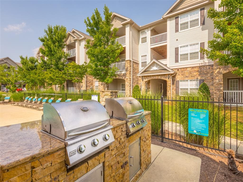 Grill your favorites by the pool at Hawthorne at the Meadows