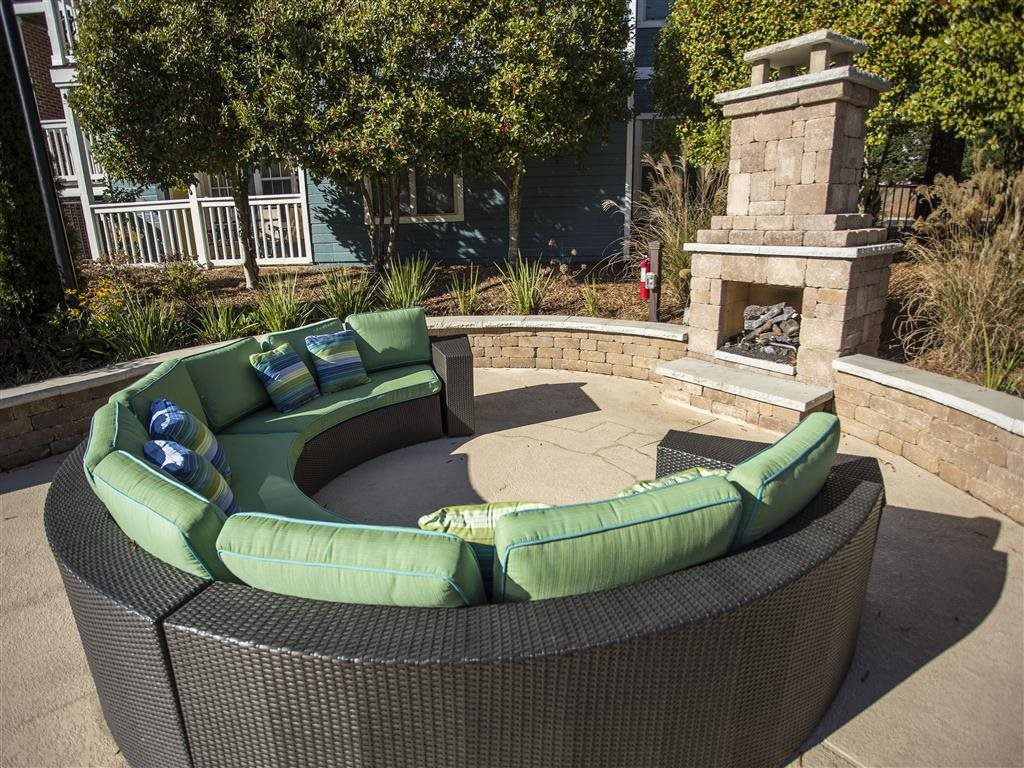 Outdoor Fire Pit at Hawthorne at the Park, Greenville