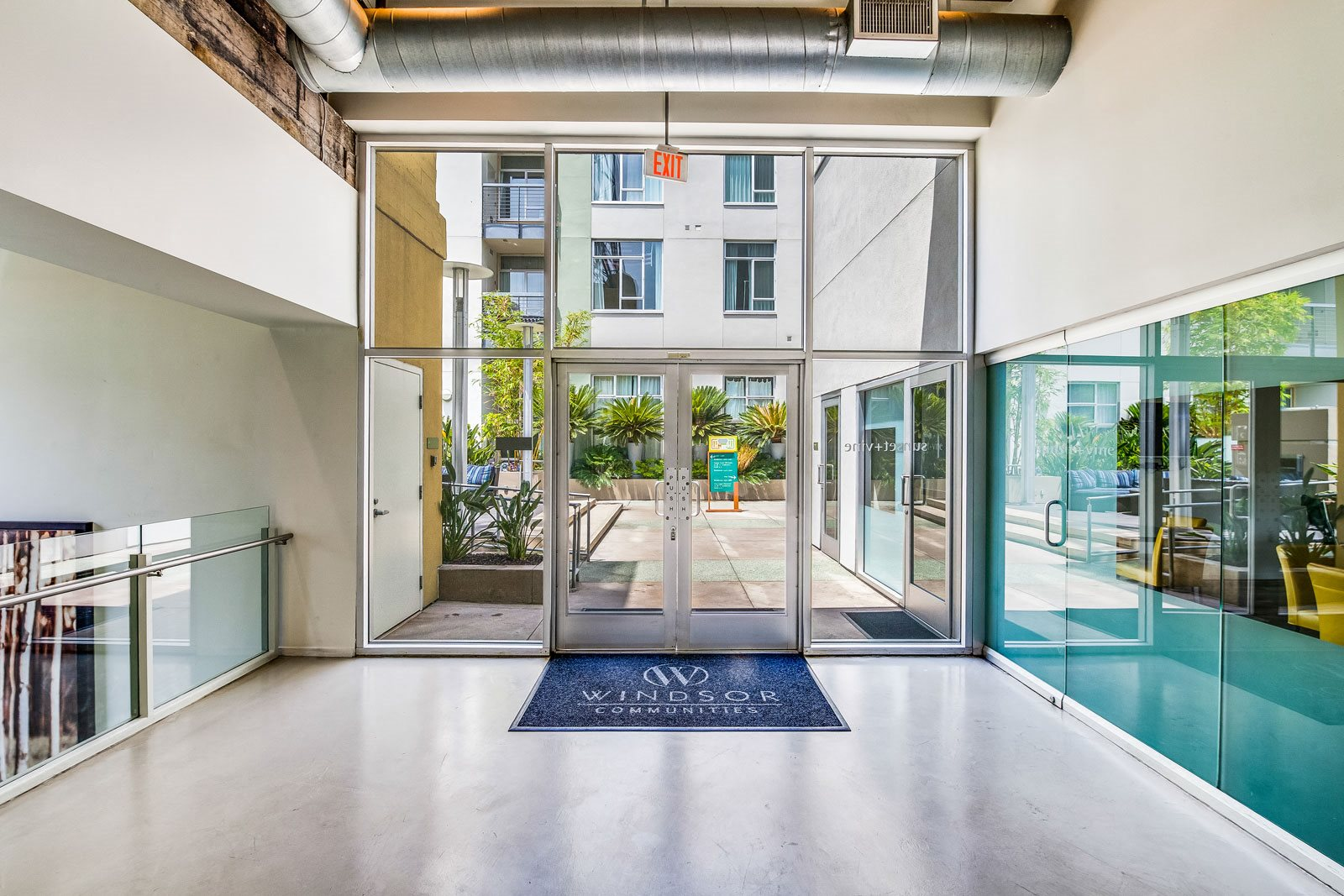VIP Tours Available at Sunset and Vine, California, 90028
