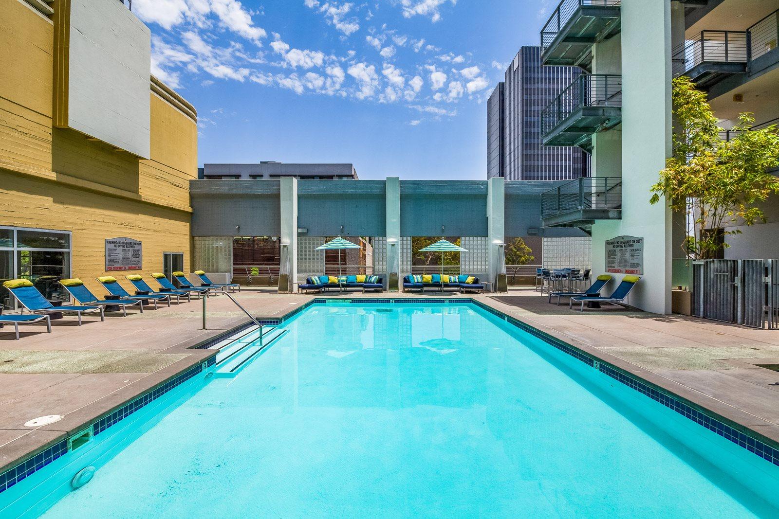 Pool and Sundeck at Sunset and Vine, 1555 Vine Street, Los Angeles