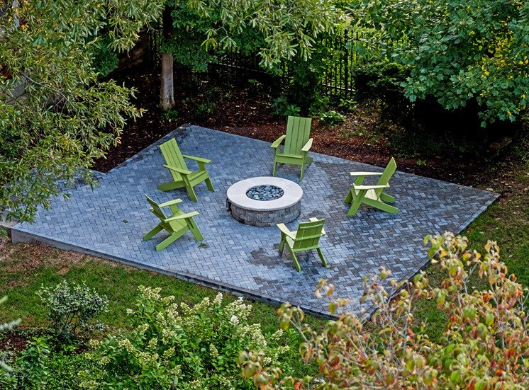 Hayes House - Fire pit with seating