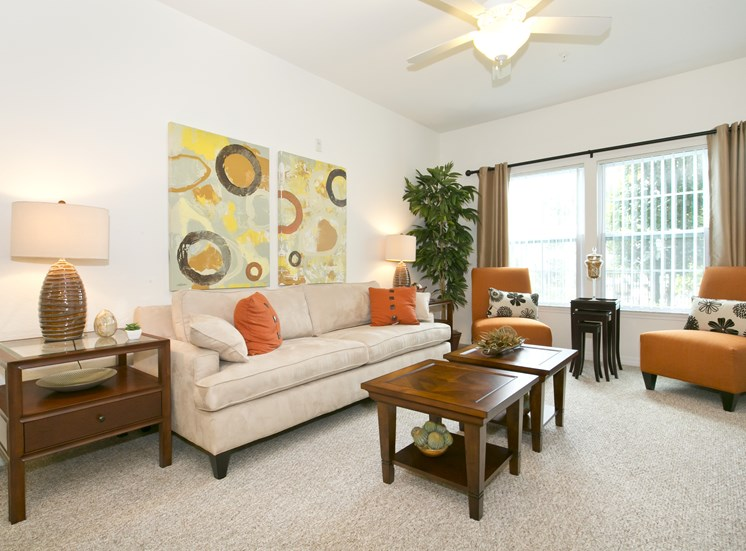 Marbella Pointe Apartments for rent in Orlando, FL. Make this community your new home or visit other ConcordRENTS communities at ConcordRENTS.com. Living room