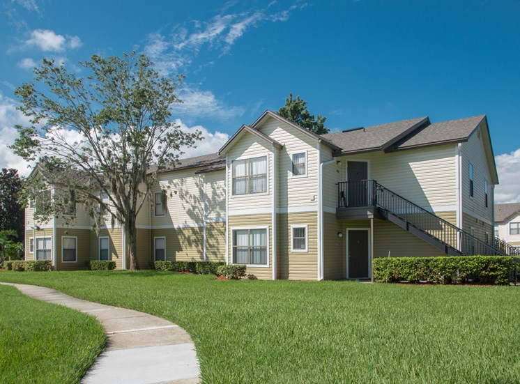 Country Club Apartments for rent in Winter Garden, FL. Make this community your new home or visit other Concord Rents communities at ConcordRents.com. Building exterior