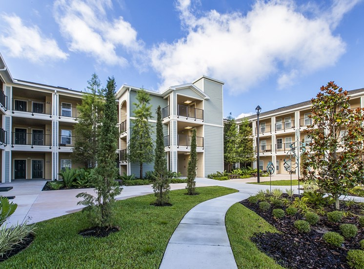 Fountains at Pershing Park Apartments for rent in Orlando, FL. Make this community your new home or visit other Concord Rents communities at ConcordRents.com. Courtyard