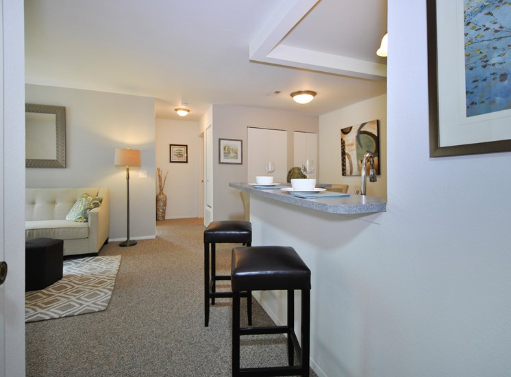The Glenn on Forest Apartments for rent near Michigan State University in Lansing, MI. Make this community your new home or visit other Concord Rents communities at ConcordRents.com. Dining room