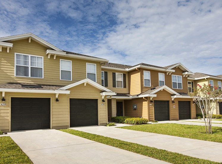 Southwinds Cove Apartments for rent in Leesburg, FL. Make this community your new home or visit other Concord Rents communities at ConcordRents.com. Building exterior