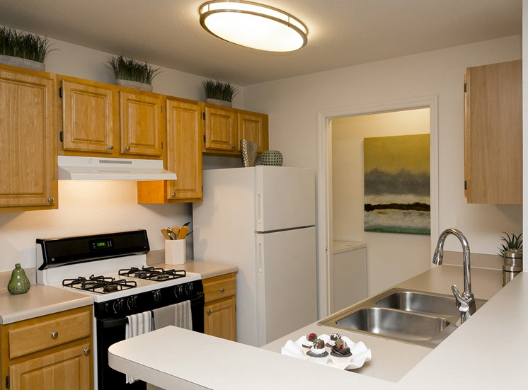 Summer Cove Apartments for rent in Saint Cloud, FL. Make this community your new home or visit other Concord Rents communities at ConcordRents.com. Kitchen