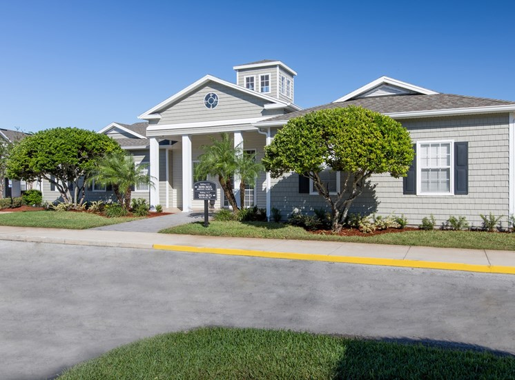 Sunrise Pointe Apartments for rent in Port Orange, FL. Make this community your new home or visit other Concord Rents communities at ConcordRents.com. Clubhouse