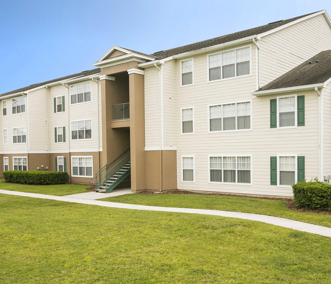 Desoto Town Center Apartments: University Club Apartments