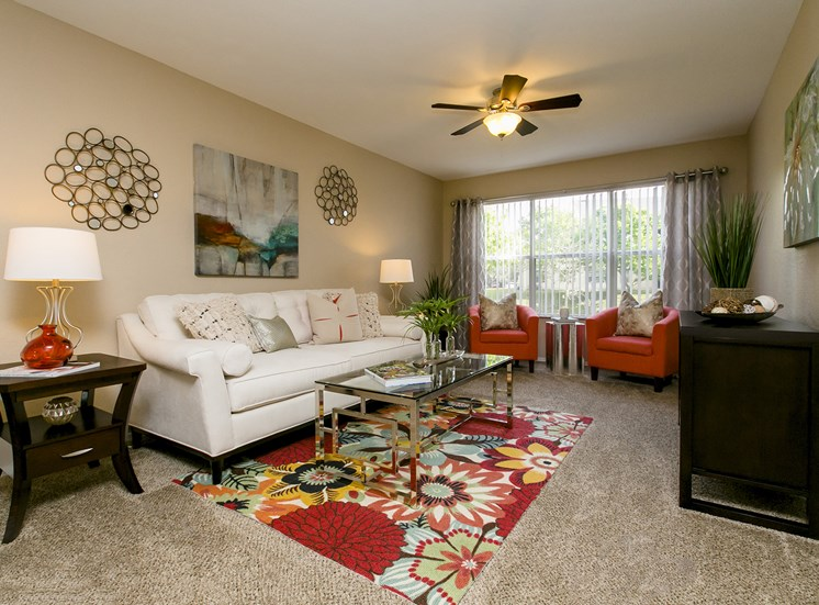 Retreat at Valencia for rent in Orlando, FL. Make this community your new home or visit other Concord Rents communities at ConcordRents.com. Living room