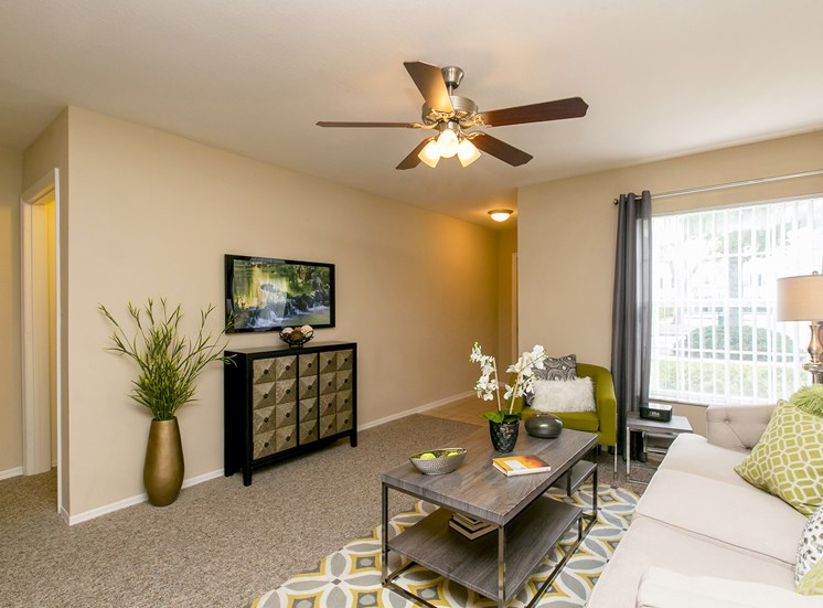 Waterford East Apartments for rent in Orlando, FL. Make this community your new home or visit other Concord Rents communities at ConcordRENTS.com. Living room