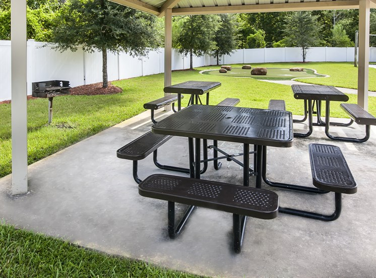 Picnic area at Oviedo Town Centre. For more communities, visit Concord Rents at ConcordRents.com