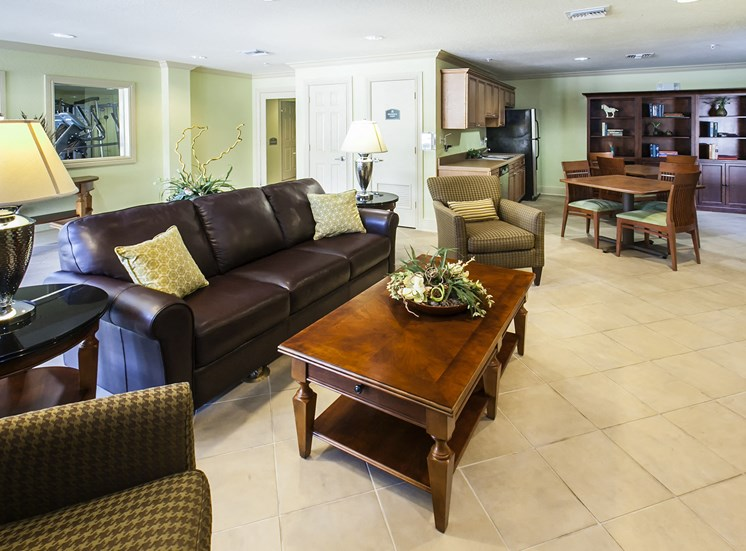 Resident lounge at Oviedo Town Centre. For more communities, visit Concord Rents at ConcordRents.com