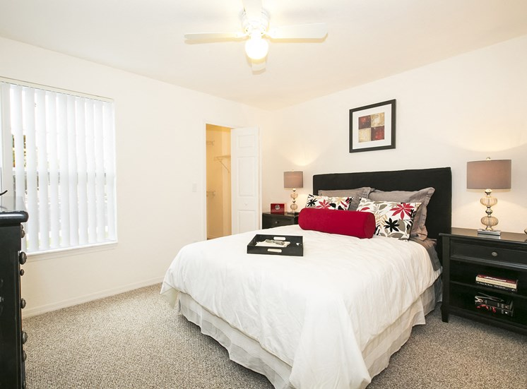 Somerset Club Apartments for rent in Cartersville, GA. Make this community your new home or visit other ConcordRENTS communities at ConcordRENTS.com. Bedroom