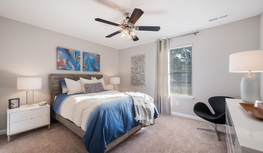 Spacious bedroom at Hawthorne at the Ridge