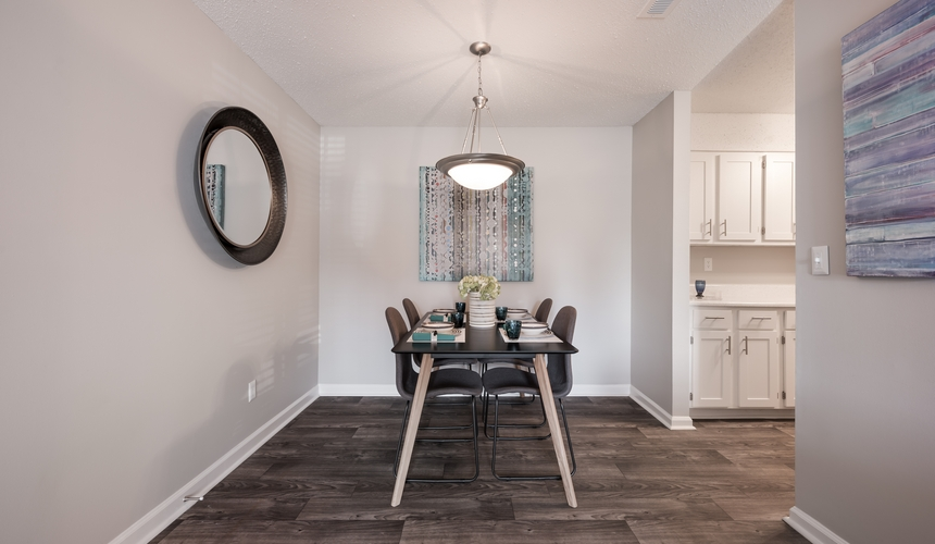 Dining room area at Hawthorne at the Ridge
