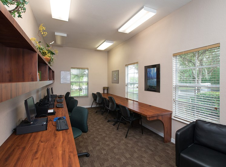 Hunters Creek Apartments for rent in Deland, FL. Make this community your new home or visit other ConcordRENTS communities at ConcordRENTS.com. Business center