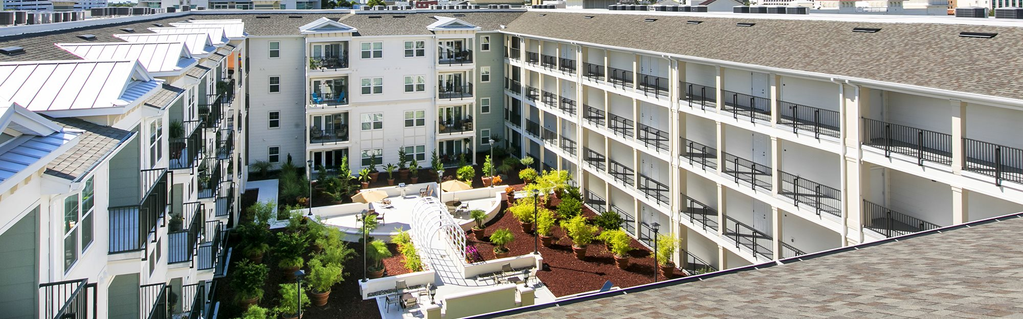Harbour's Edge Senior Apartments for rent in St. Petersburg, FL. Make this community your new home or visit other Concord Rents communities at ConcordRents.com. Aerial