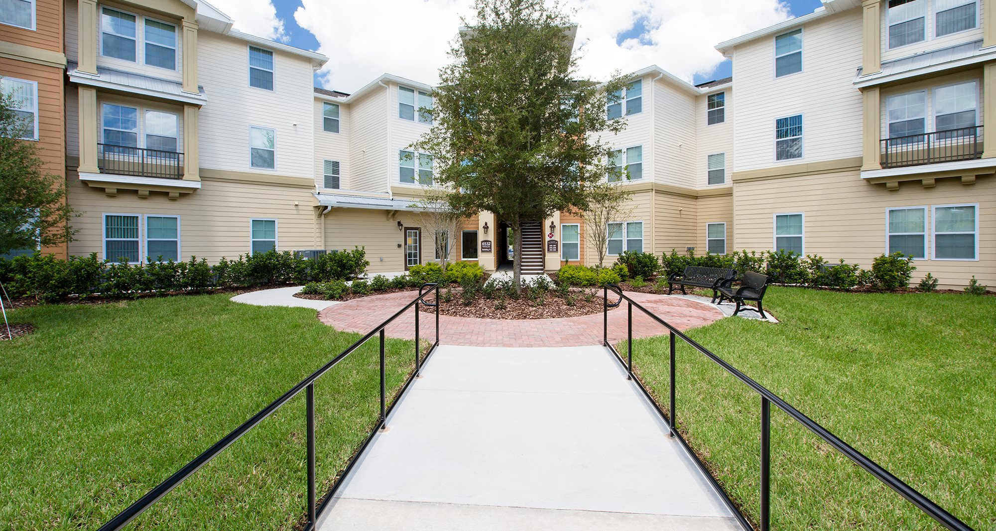 Fountains at Lingo Cove Apartments for rent in Orlando, FL. Make this community your new home or visit other Concord Rents communities at ConcordRents.com. Building exterior