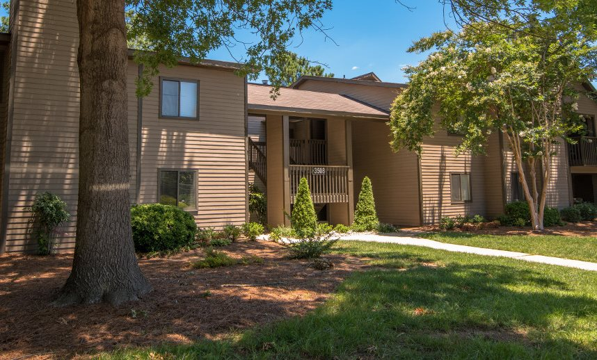 Stonesthrow Apartment Homes | Apartments in Greensboro, NC