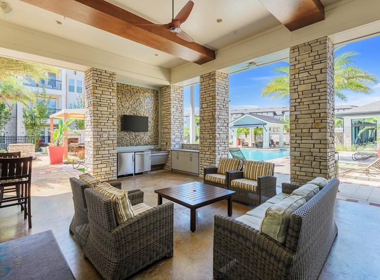 Nona Park Village Apartments - poolside cabana