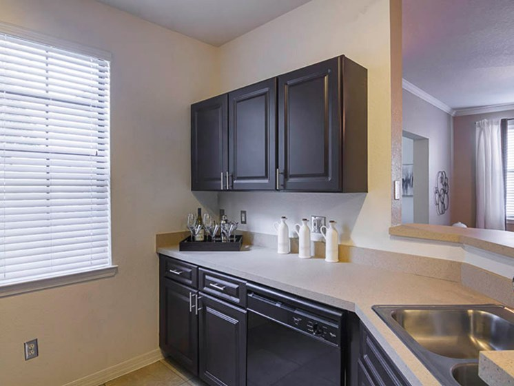 Enders Place at Baldwin Park Kitchen Cabinets