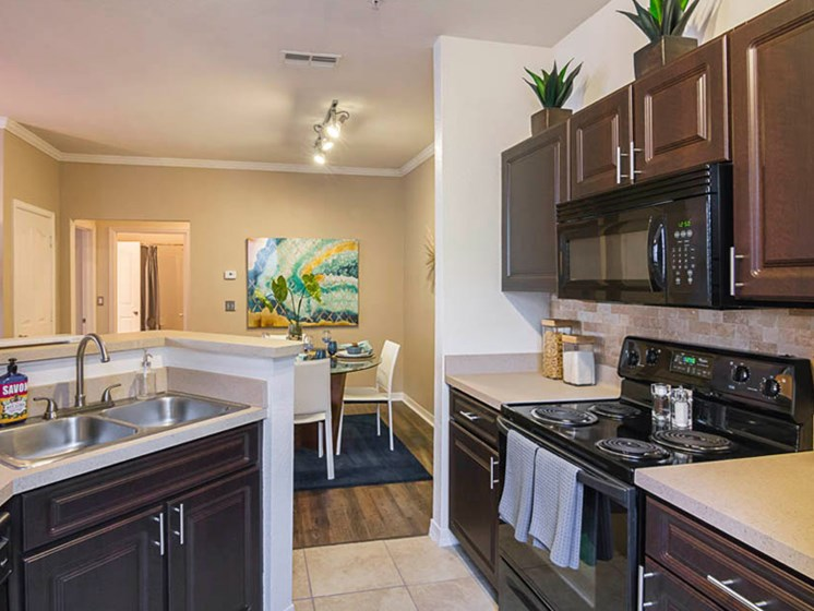 Enders Place at Baldwin Park Kitchen View