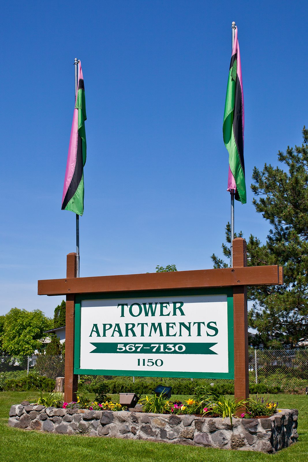 TowerApartments_Hermiston_OR_PropertySign