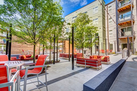 Artisan Twickenham Square Outside view of Patio