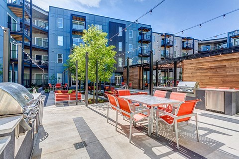 Artisan Twickenham Square Side View of Patio
