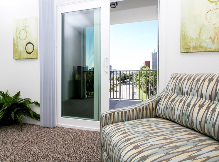 Lexington Court Apartments for rent in Downtown Orlando, FL. Make this community your new home or visit other Concord Rents communities at ConcordRents.com. Balcony