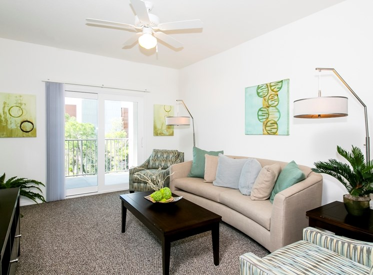 Lexington Court Apartments for rent in Downtown Orlando, FL. Make this community your new home or visit other Concord Rents communities at ConcordRents.com. Living room