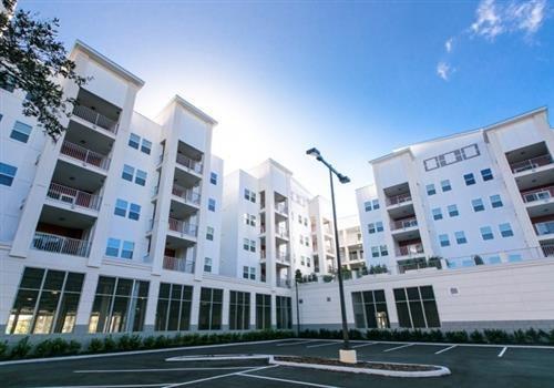 Lexington Court Apartments Community Thumbnail 1