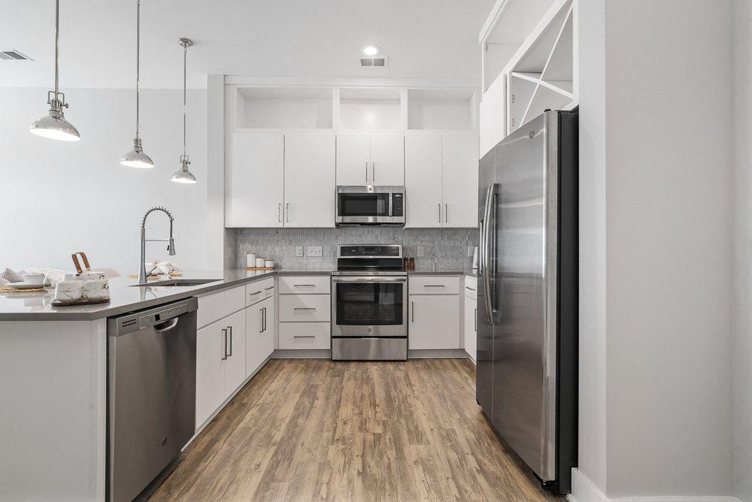 Designer kitchen hawthorne at friendly apartments greensboro NC