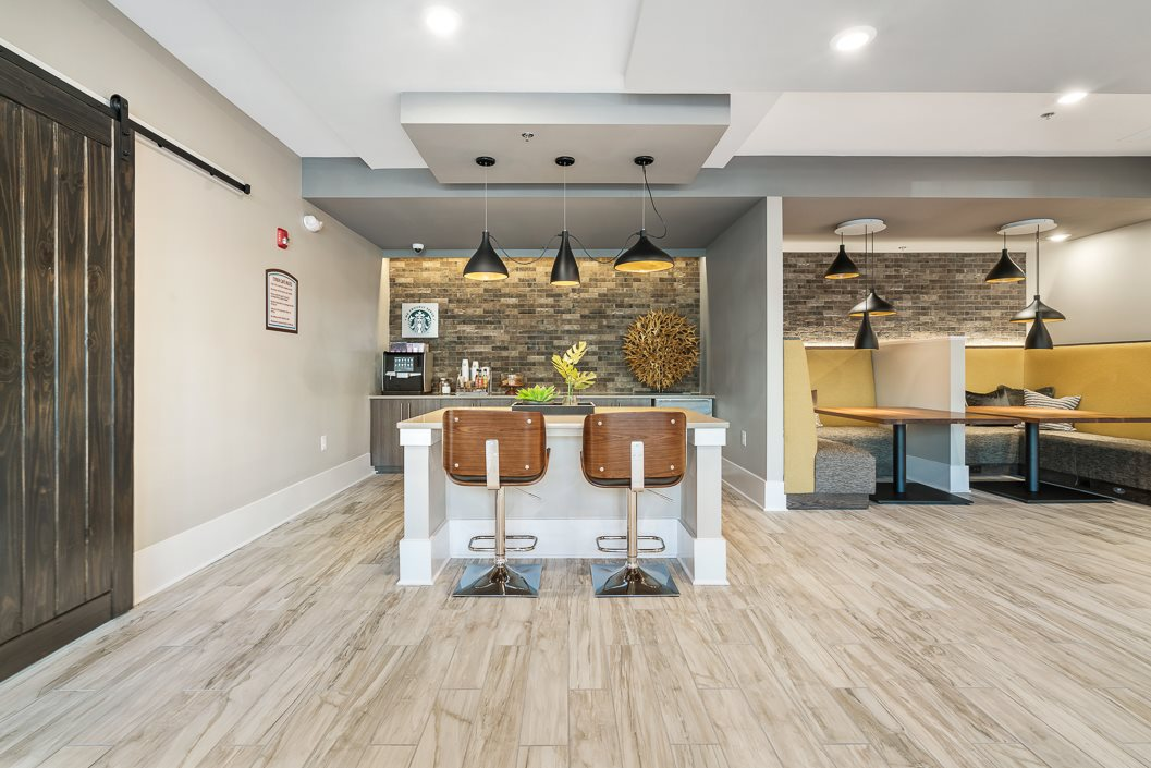 Resident Lounge with Coffee Bar and Coworking Spaces Hawthorne at Friendly