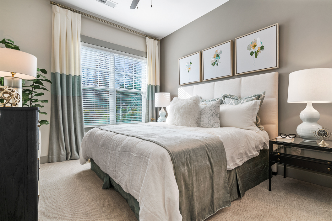 Beautifully decorated master bedroom Hawthorne at Friendly
