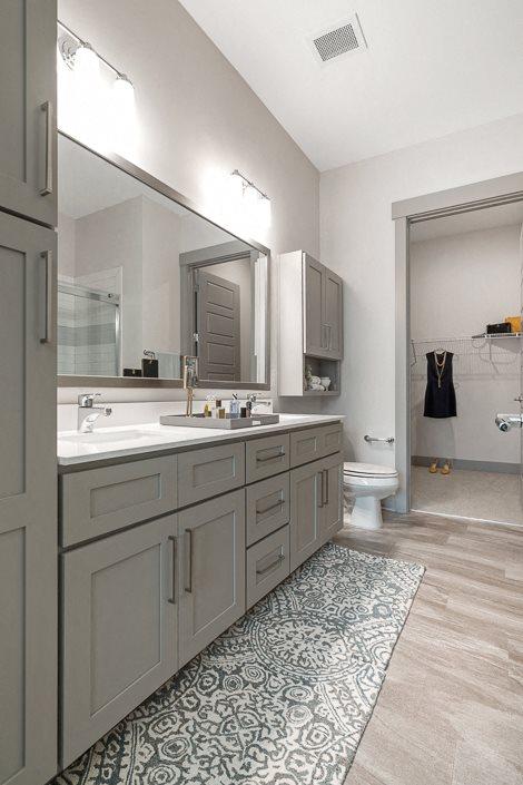 Stylish bathroom vanity Hawthorne at Friendly