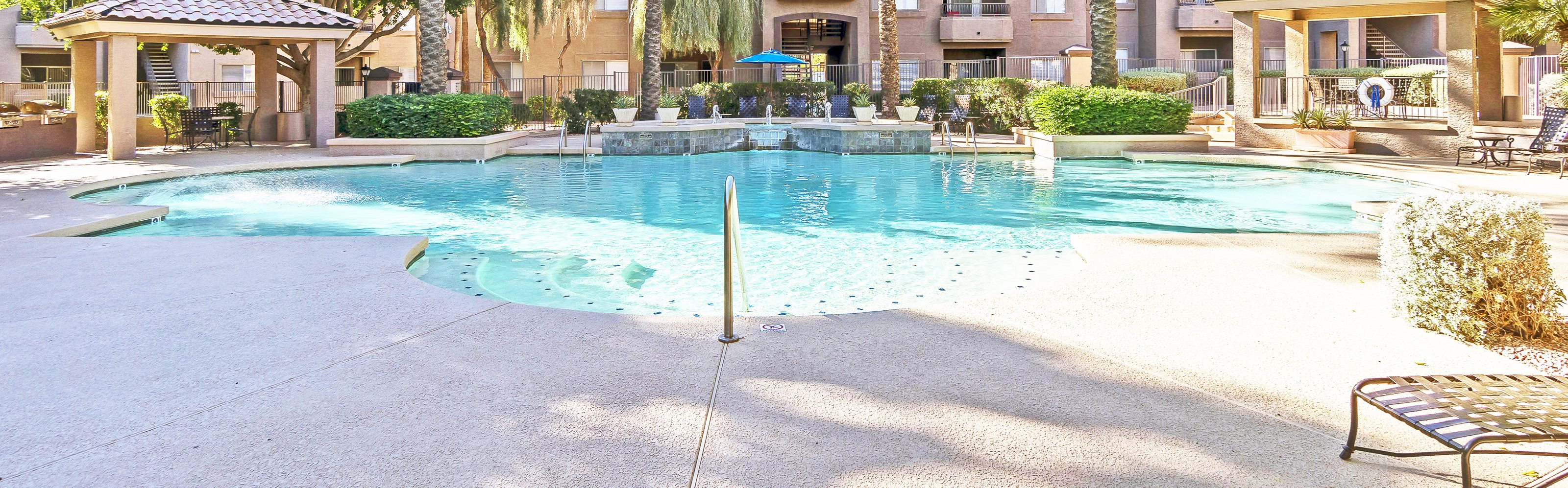 Sonterra Apartments at Paradise Valley pool area